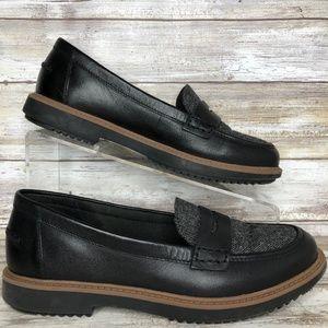 Clarks 6.5M Black Leather Moc Toe Dress Loafer
